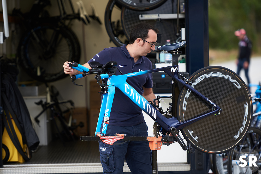 Movistar Women's Team prepare for Ladies Tour of Norway 2018 Team Time Trial, a 24 km team time trial from Aremark to Halden, Norway on August 16, 2018. Photo by Sean Robinson/velofocus.com