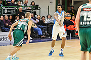 DESCRIZIONE : Eurolega Euroleague 2014/15 Gir.A Dinamo Banco di Sardegna Sassari - Zalgiris Kaunas<br /> GIOCATORE : Edgar Sosa<br /> CATEGORIA : Palleggio Schema<br /> SQUADRA : Dinamo Banco di Sardegna Sassari<br /> EVENTO : Eurolega Euroleague 2014/2015<br /> GARA : Dinamo Banco di Sardegna Sassari - Zalgiris Kaunas<br /> DATA : 14/11/2014<br /> SPORT : Pallacanestro <br /> AUTORE : Agenzia Ciamillo-Castoria / Luigi Canu<br /> Galleria : Eurolega Euroleague 2014/2015<br /> Fotonotizia : Eurolega Euroleague 2014/15 Gir.A Dinamo Banco di Sardegna Sassari - Zalgiris Kaunas<br /> Predefinita :