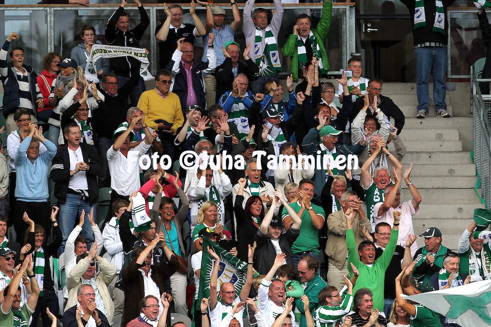 30.7.2012, Veritas stadion (Kupittaa), Turku..Veikkausliiga 2012..FC Inter Turku - IFK Mariehamn..IFK kannattajat Kupittaalla..