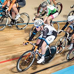 28-12-2014: Wielrennen: NK Baanwielrennen: Apeldoorn Kirsten Wild pakt na de achtervolging ook de puntenkoers titel in Apeldoorn