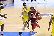 DESCRIZIONE : Porto San Giorgio Lega serie A 2013/14  Sutor Montegranaro Varese<br /> GIOCATORE : Keydren Clark<br /> CATEGORIA : palleggio<br /> SQUADRA : Pallacanestro Varese<br /> EVENTO : Campionato Lega Serie A 2013-2014<br /> GARA : Sutor Montegranaro Pallacanestro Varese<br /> DATA : 23/11/2013<br /> SPORT : Pallacanestro<br /> AUTORE : Agenzia Ciamillo-Castoria/M.Greco<br /> Galleria : Lega Seria A 2013-2014<br /> Fotonotizia : Porto San Giorgio  Lega serie A 2013/14 Sutor Montegranaro Varese<br /> Predefinita :