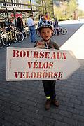 Die Freiburger Velobörse 2011 war ein voller Erfolg. 250 verkaufte Velos sind ein neues Rekordergebnis. Den erzielten Gewinn setzt PRO VELO Freiburg vollumfänglich für Aktivitäten zu Gunsten der Freiburger Velofahrenden ein.   © Romano P. Riedo