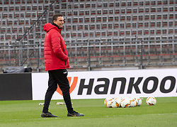 11.03.2020, TGW Arena, Pasching, AUT, UEFA EL, LASK vs Manchester United, Achtelfinale, Hinspiel, Training, im Bild Trainer Valerien Ismael (LASK) // during a trainings session before the UEFA Europa League round of last 16 match between LASK and Manchester United at the TGW Arena in Pasching, Austria on 2020/03/11. EXPA Pictures © 2020, PhotoCredit: EXPA/ Reinhard Eisenbauer