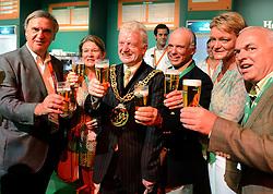 26-07-2012 ALGEMEEN: OPENING HOLLAND HEINEKEN HOUSE: LONDEN<br /> (L-R) NOC*NSF voorzitter André Bolhuis, Charlene de Carvalho-Heineken, Burgm. David Browne, Michel de Carvalho, Ellen van Langen en Philip de Ridder toasten met een glas bier van het huismerk op de opening van het Holland Heineken House, de ontmoetingsplaats voor Nederlandse sportfans tijdens de Olympische Spelen.<br /> ©2012-FotoHoogendoorn.nl