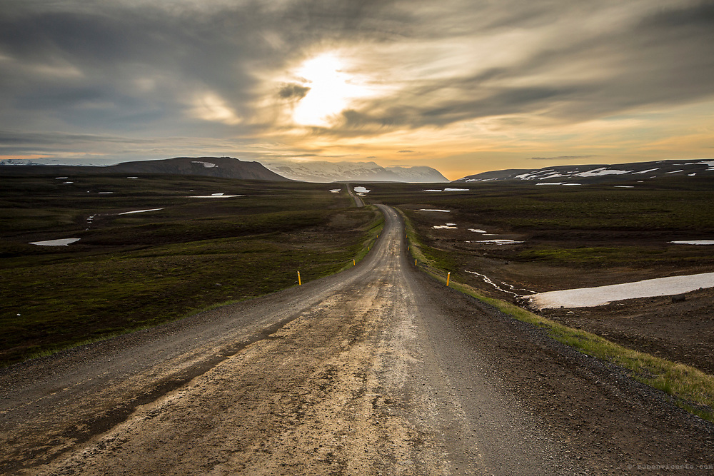 Dirt road in northern Iceland