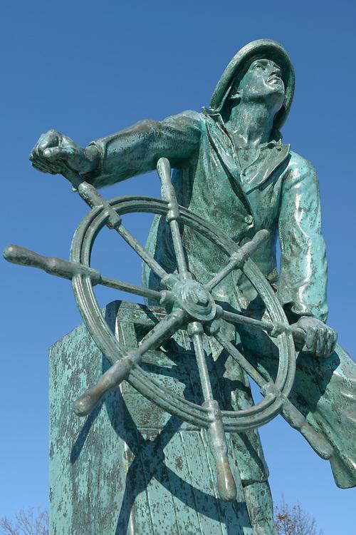 Fishermen Memorial, city of Gloucester, Massachusetts, New England, East Coast, USA,