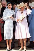 """Koning Willem Alexander wordt door Hare Majesteit Koningin Elizabeth II geïnstalleerd in de 'Most Noble Order of the Garter'. Tijdens een jaarlijkse ceremonie in St. Georgekapel, Windsor Castle, wordt hij geïnstalleerd als 'Supernumerary Knight of the Garter'.<br /> <br /> King Willem Alexander is installed by Her Majesty Queen Elizabeth II in the """"Most Noble Order of the Garter"""". During an annual ceremony in St. George's Chapel, Windsor Castle, he is installed as """"Supernumerary Knight of the Garter"""".<br /> <br /> Op de foto / On the photo: Camilla Parker Bowles and Queen Letizia"""