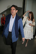 Peter Brant and Stephanie Seymour, Jeff Koons: Hulk Elvis. private view. Gagosian Gallery. 18 1une 2007.  -DO NOT ARCHIVE-© Copyright Photograph by Dafydd Jones. 248 Clapham Rd. London SW9 0PZ. Tel 0207 820 0771. www.dafjones.com.