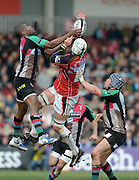 Twickenham, GREAT BRITAIN, left, Harlequins', Ugo MONYE, out jumps Saracens' Wikus VAN HEERRDEN,  during the first half of the Guinness Premiership match,  Harlequins vs Saracens at The Stoop Stadium, Surrey on Sat. 07.03.2009.  [Photo. Peter Spurrier/Intersport-images]