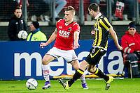 ALKMAAR - 06-02-2016, AZ - Vitesse, AFAS Stadion, AZ speler Markus Henriksen, Vitesse speler Arnold Kruiswijk