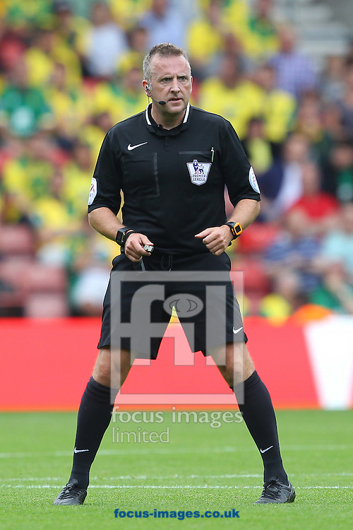 Referee Jonathan Moss during the Barclays Premier League match at the St Mary's Stadium, Southampton<br /> Picture by Paul Chesterton/Focus Images Ltd +44 7904 640267<br /> 30/08/2015