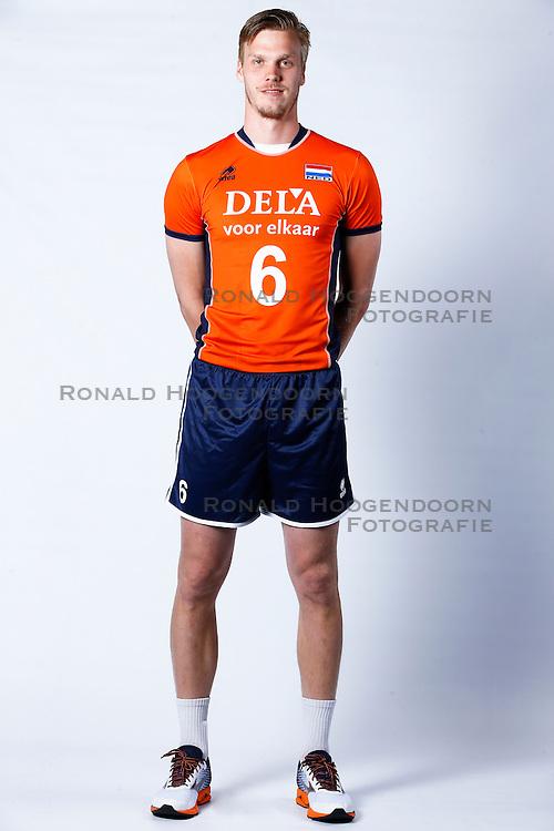 20150506 NED: Selectie Nederlands volleybal team mannen, Arnhem<br />Op Papendal werd het Nederlands team volleybal seizoen 2015-2016 gepresenteerd / Jan - Willem Snippe<br />©2015-FotoHoogendoorn.nl / Pim Waslander