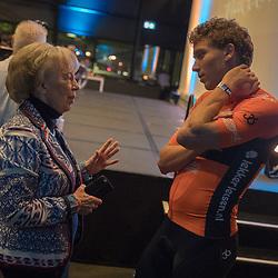 05-01-2018: Wielrennen: Presentatie Team Roompot: Rotterdam. <br />Coen Vermeltvoort in gesprek met ded organisator Ronde van Drenthe Femmie van Issum