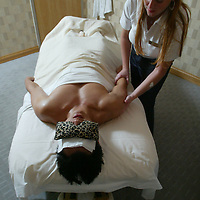 (PFEATURES) Atlantic City 10/23/2003  High Roller James Kwasnik gets a massage at the Borgata Hotel and Casino.  Michael J. Treola Staff Photographer....MJT