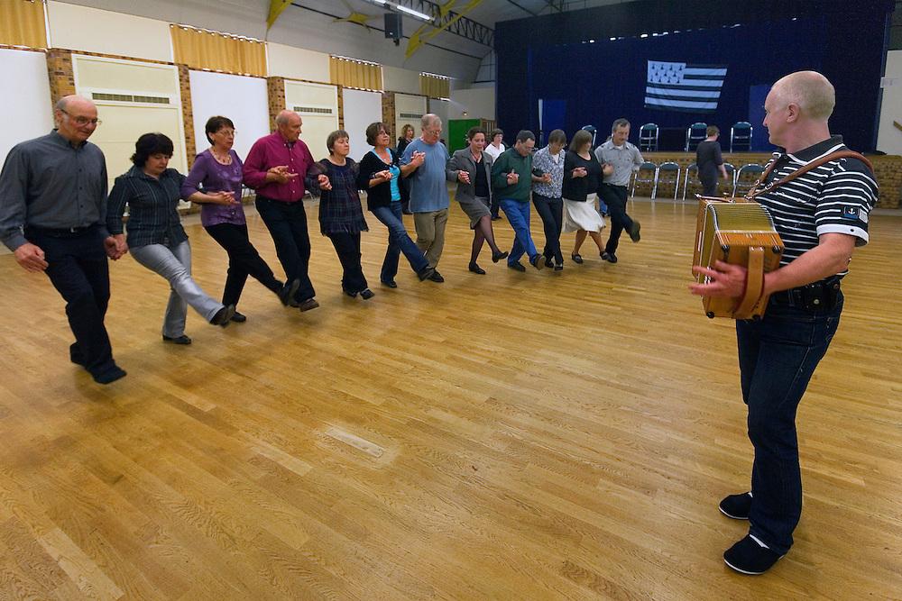 Cours de danse avec Raphael LE HELLEC - Gavotte de Lescouet