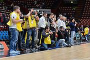 DESCRIZIONE : Beko Final Eight Coppa Italia 2016 Serie A Final8 Quarti di Finale Dolomiti Energia Trento - Giorgio Tesi Group Pistoia<br /> GIOCATORE : Fotografi<br /> CATEGORIA : Before Pregame Arbitro Referee<br /> EVENTO : Beko Final Eight Coppa Italia 2016<br /> GARA : Quarti di Finale Dolomiti Energia Trento - Giorgio Tesi Group Pistoia<br /> DATA : 19/02/2016<br /> SPORT : Pallacanestro <br /> AUTORE : Agenzia Ciamillo-Castoria/L.Canu