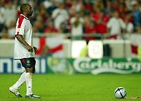 Fotball<br /> Euro 2004<br /> 24.06.2004<br /> Foto: SBI/Digitalsport<br /> NORWAY ONLY<br /> <br /> Kvartfinale<br /> England v Portugal<br /> <br /> Darius Vassell steps up to take his spot kick