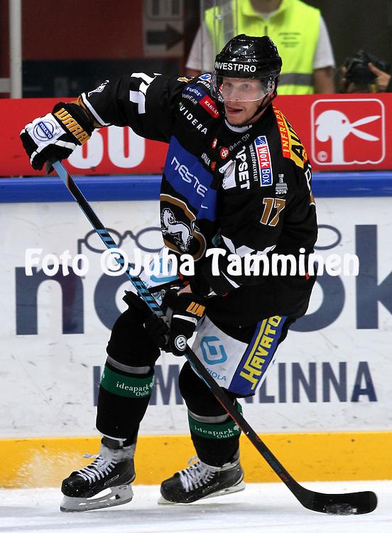 17.9.2014, Ritari Areena, Hämeenlinna.<br /> Jääkiekon SM-liiga 2014-15. Hämeenlinnan Pallokerho - Oulun Kärpät.<br /> Mika Pyörälä - Kärpät