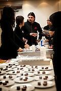 Tokyo, Japon, 30 janvier 2010 - Salon du chocolat au grand magasin de luxe Isetan, Shinjuku, 2 semaines avant la St Valentin. Sebastien Bouillet, un des quatre patissiers francais ayant une boutique chez Isetan, discute dans la cuisine avant sa demonstration.