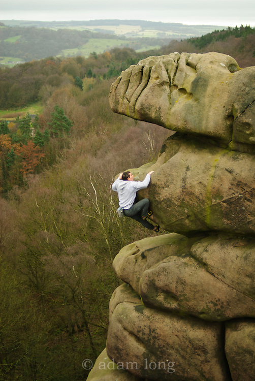 Alex Honnold soloing Meshuga, E9, Black Rocks, Peak District
