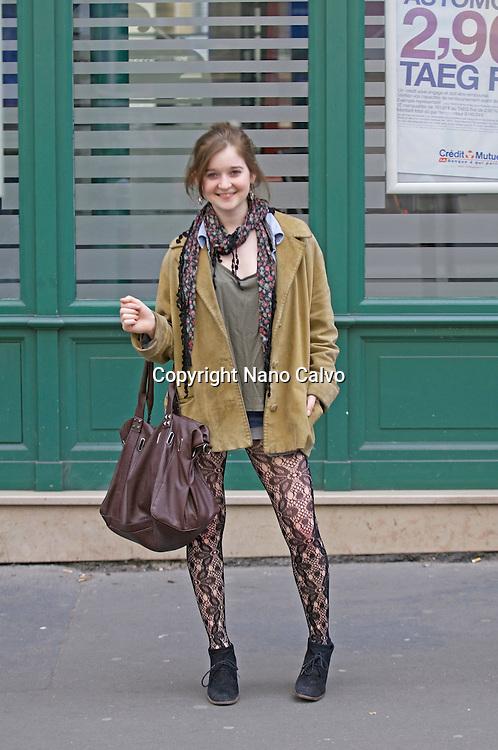 Paris Street Style / Marie / Drama Student  / 19