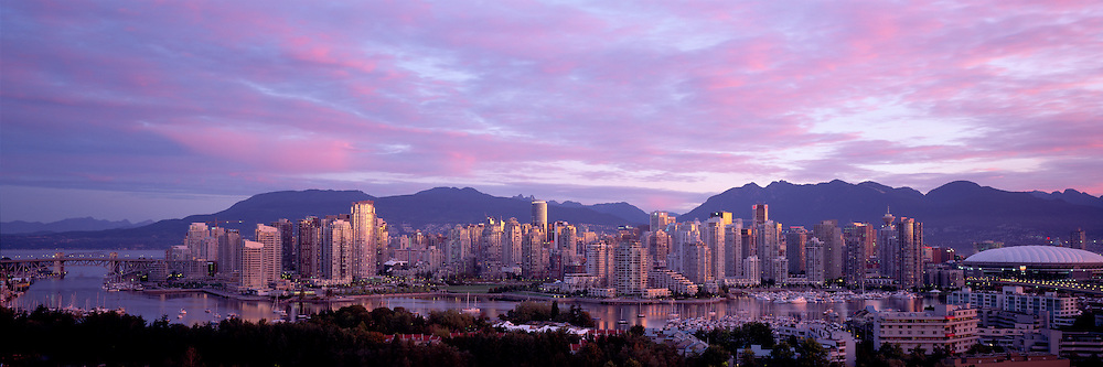 Vancouver Skyline, Holiday Inn View