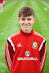 MERTHYR TYDFIL, WALES - Thursday, November 2, 2017: Wales' Guto Williams during an Under-18 Academy Representative Friendly match between Wales and Newport County at Penydarren Park. (Pic by David Rawcliffe/Propaganda)