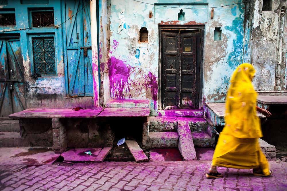 *légende* Célébration de Holi, festival des couleurs qui annonce l'arrivée du printemps en Inde. Goverdhan Uttar Pardesh