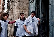 Roma 13 Gennaio 2013.Manifestazione 'Manif pour tous' in protesta contro il progetto di legge francese Taubira che intende legalizzare il matrimonio e l'adozione da parte di coppie omosessuali , davanti all'ambascita di Francia a Piazza Farnese.Una delegazione   consegna all'ambasciata una lettera per il presidente francese Hollande.Rome January 13, 2013.Manifestation  'Manif pour tous' in protest against the French bill Taubira, which aims to legalize marriage and adoption by same-sex couples, all'ambascita in front of the French Embassy in Piazza Farnese. A delegation delivered a letter to the embassy for to the French president Hollande