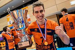 19-02-2017 NED: Bekerfinale Draisma Dynamo - Seesing Personeel Orion, Zwolle<br /> In een uitverkochte Lanstede Topsporthal wint Orion met 3-1 de bekerfinale van Dynamo / Pim Kamps #7 of Orion