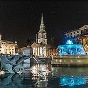 Le fontane di Trafalgar Square, sullo sfondo la chiesa St Martin in the Fields.<br /> <br /> The fountains in Trafalgar Square, in the background the church St Martin in the Fields