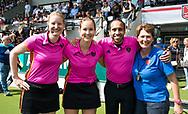 AMSTELVEEN -  scheidsrechters Lisette Baljon en Fanneke Alkemade, Jacir Soares de Brito,  Renee Cohen (KNHB BG) de finale van de play-offs om de landstitel in het Wagener-stadion, tussen Amsterdam en Den Bosch (1-4).   COPYRIGHT  KOEN SUYK