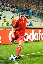 MARSEILLE, FRANCE - Tuesday, September 16, 2008: Liverpool's captain Steven Gerrard MBE prepares to take a corner against Olympique de Marseille during the opening UEFA Champions League Group D match at the Stade Velodrome. (Photo by David Rawcliffe/Propaganda)