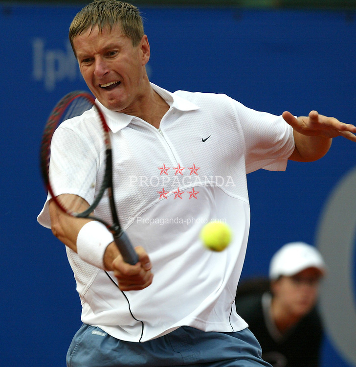 MUNICH, GERMANY - Tuesday, April 29, 2003: Yevgeny Kafelnikov (Russia) in action during the 1st Round of the BMW Open. (Pic by David Rawcliffe/Propaganda)