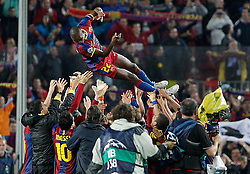 03-05-2011 VOETBAL: SEMI FINAL CL  FC BARCELONA - REAL MADRID: BARCELONA<br /> Players celebrate with Eric Abidal the victory  <br /> *** NETHERLANDS ONLY***<br /> ©2011-FH.nl- EXPA/ Alterphotos/ Acero