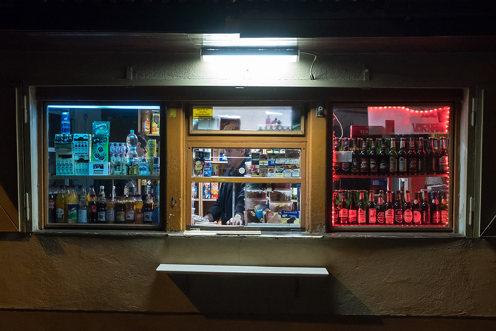 Germany - Deutschland - Saxony - Sachsen after the federal elections - AFD / the town Görlitz on the German-Polish border seen - corner shop at night; Görlitz , Saxony, 26.09.2017; © Christian Jungeblodt