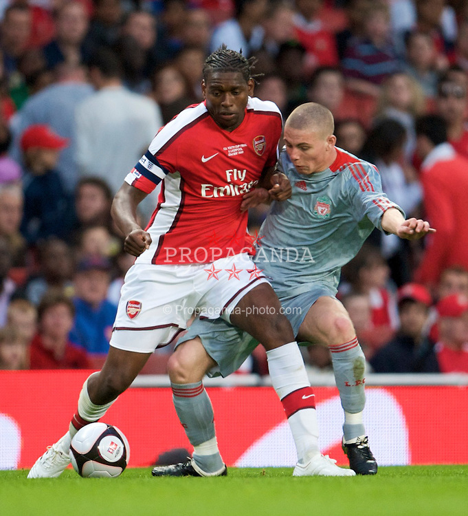 LONDON, ENGLAND - Friday, May 22, 2009: Liverpool's Karl Clair and Arsenal's captain Jay Emmanuel-Thomas during the FA Youth Cup Final 1st Leg match at the Emirates Stadium. (Photo by David Rawcliffe/Propaganda)