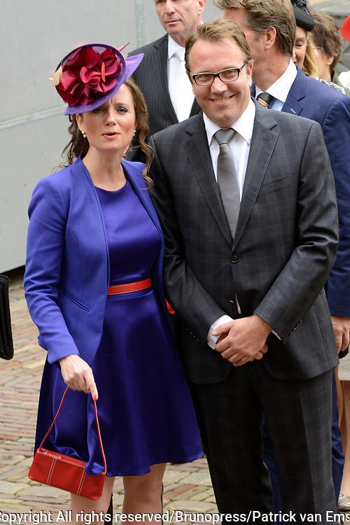 Prinsjesdag 2013 - Aankomst Parlementari&euml;rs bij de Ridderzaal op het Binnenhof.<br /> <br /> Op de foto:  Tweede Kamerlid Fleur Agema (PVV) (L)