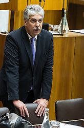 14.10.2015, Parlament, Wien, AUT, Parlament, Nationalratssitzung, Sitzung des Nationalrates mit Budgetrede des Finanzministers, im Bild Bundesminister für Finanzen Hans Jörg Schelling (ÖVP) // Minister of Finance Johann Georg Schelling (OeVP) during meeting of the National Council of austria according to government budget at austrian parliament in Vienna, Austria on 2015/10/14, EXPA Pictures © 2015, PhotoCredit: EXPA/ Michael Gruber