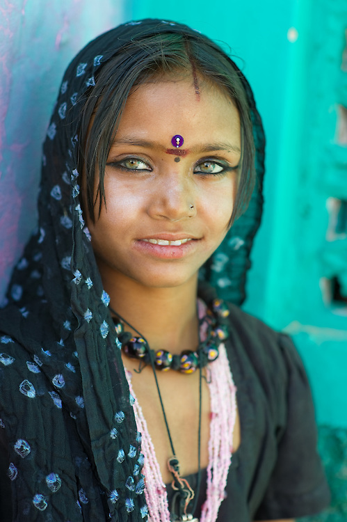 Portrait of a beautiful green-eyed Rajasthani girl.   Let'sch Focus - photo#34