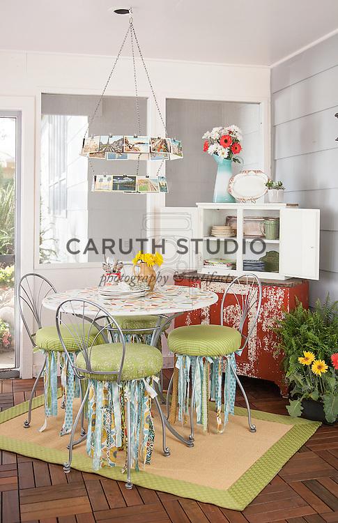 Three-season porch makeover, dining area