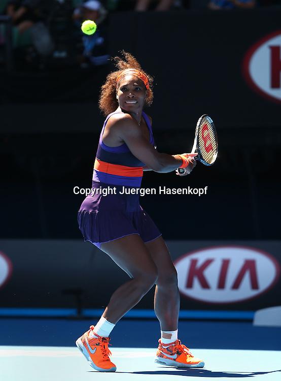Australian Open 2013, Melbourne Park,ITF Grand Slam Tennis Tournament,.Serena Williams (USA),Aktion,Einzelbild,Ganzkoerper,Hochformat,