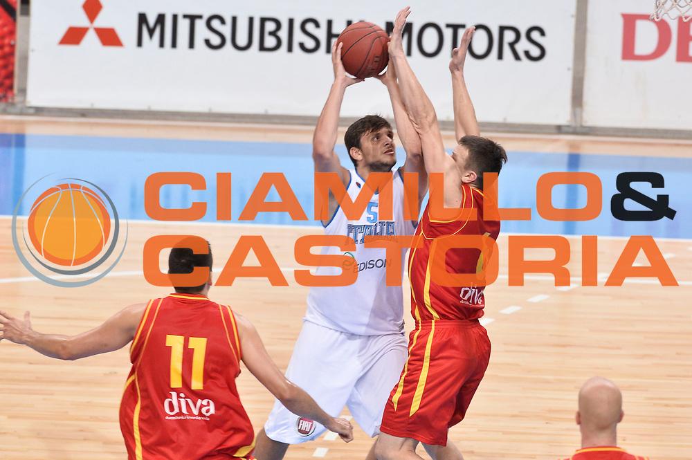 DESCRIZIONE : Skopje Nazionale Italia Uomini Torneo Internazionale di Skopje Italia Montenegro Italy Montenegro<br /> GIOCATORE : Alessandro Gentile<br /> CATEGORIA : Penetrazione<br /> SQUADRA : Italia Italy<br /> EVENTO : Trofeo Internazionale di Skopje<br /> GARA : Italia Montenegro Italy Montenegro<br /> DATA : 25/07/2014<br /> SPORT : Pallacanestro<br /> AUTORE : Agenzia Ciamillo-Castoria/GiulioCiamillo<br /> Galleria : FIP Nazionali 2014<br /> Fotonotizia : Skopje Nazionale Italia Uomini Torneo Internazionale di Skopje Italia Montenegro Italy Montenegro