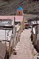 IRUYA, CALLE DEL CENTRO E IGLESIA NUESTRA SEÑORA DEL ROSARIO Y SAN ROQUE, PROV. DE SALTA, ARGENTINA