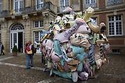 """Skulptur Projekte Muenster 4. .""""Trickle Down. Public Space in the Era of its Privatization (Trickle Down. Der oeffentliche Raum im Zeitalter seiner Privatisierung)"""", 2007 by Andreas Siekman."""