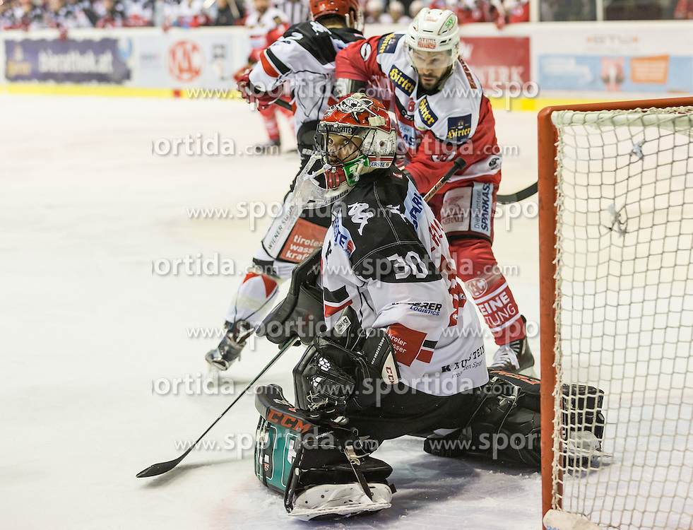 17.02.2017, Stadthalle, Klagenfurt, AUT, EBEL, EC KAC vs HC TWK Innsbruck, 52. Runde Plazierungsrunde, im Bild Thomas Koch (EC KAC, #18), Andy Chiodo (HC TWK Innsbruck, #30) // during the Erste Bank Eishockey League 52nd match at preliminary round betweeen KAC vs HC TWK Innsbruck at the City Hall in Klagenfurt, Austria on 2017/02/17. EXPA Pictures © 2017, PhotoCredit: EXPA/ Gert Steinthaler