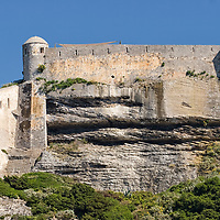 From the sea you can contemplate the fortifications which have been placed on the top of chalky limestone cliffs.