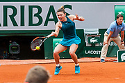 Simona Halep (rou) during the Roland Garros French Tennis Open 2018, day 4, on May 30, 2018, at the Roland Garros Stadium in Paris, France - Photo Pierre Charlier / ProSportsImages / DPPI