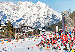 28.02.2019, Seefeld, AUT, FIS Weltmeisterschaften Ski Nordisch, Seefeld 2019, Nordische Kombination, Langlauf, im Bild v.l. Akito Watabe (JPN), Bernhard Gruber (AUT), Jarl Magnus Riiber (NOR) // f.l. Akito Watabe of Japan Bernhard Gruber of Austria and Jarl Magnus Riiber of Norway during the Cross Country Competition of Nordic Combined for the FIS Nordic Ski World Championships 2019. Seefeld, Austria on 2019/02/28. EXPA Pictures © 2019, PhotoCredit: EXPA/ Stefan Adelsberger