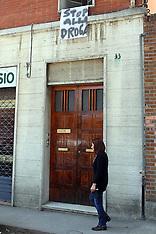 20130415 TELI CONTRO LO SPACCIO DI DROGA DALLE FINESTRE DELLE CASE ZONA STADIO E STAZIONE